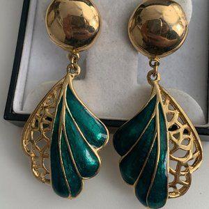 Vintage gold enamel clip on earrings